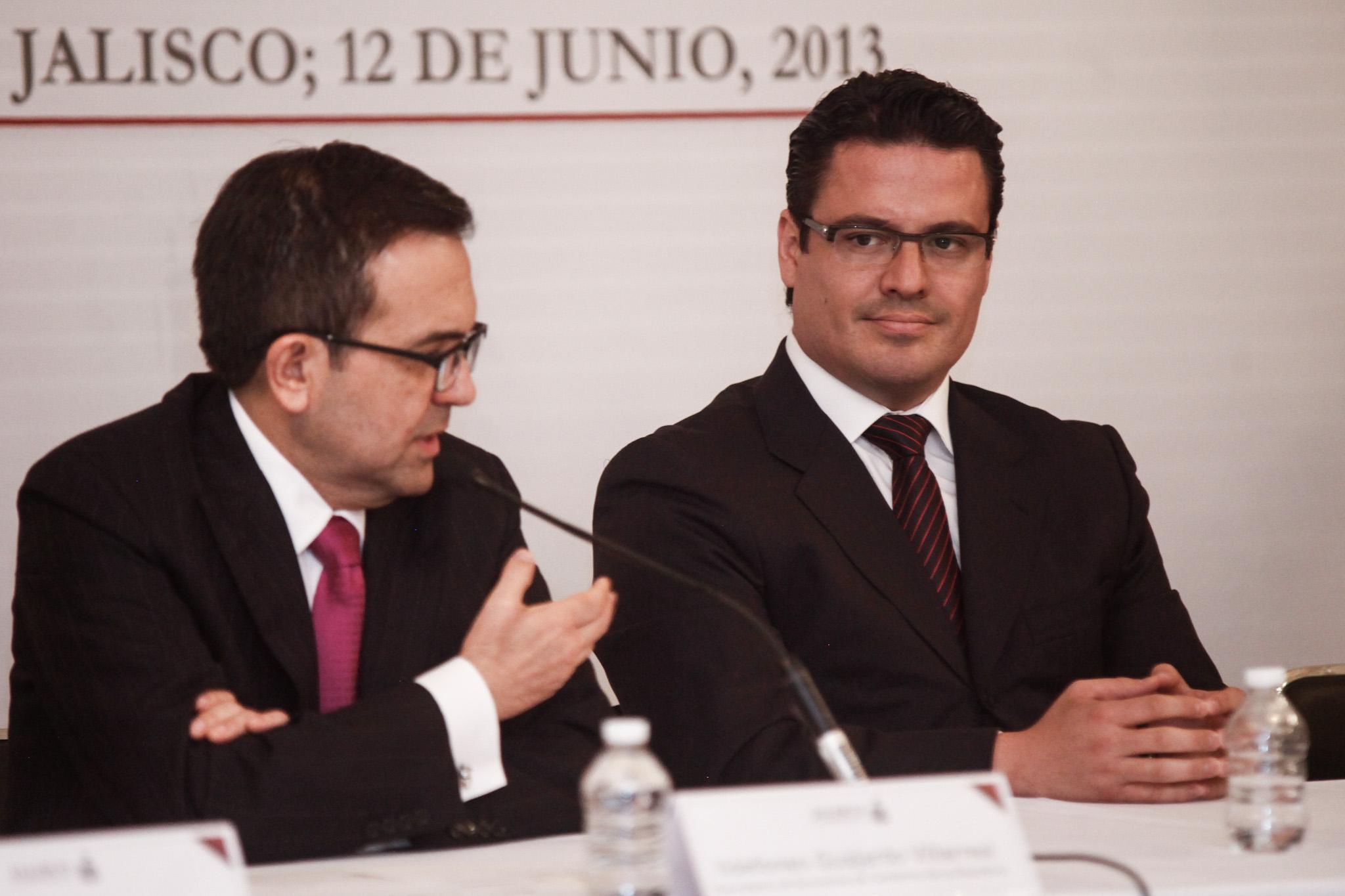 Firman convenio en materia de mejora regulatoria