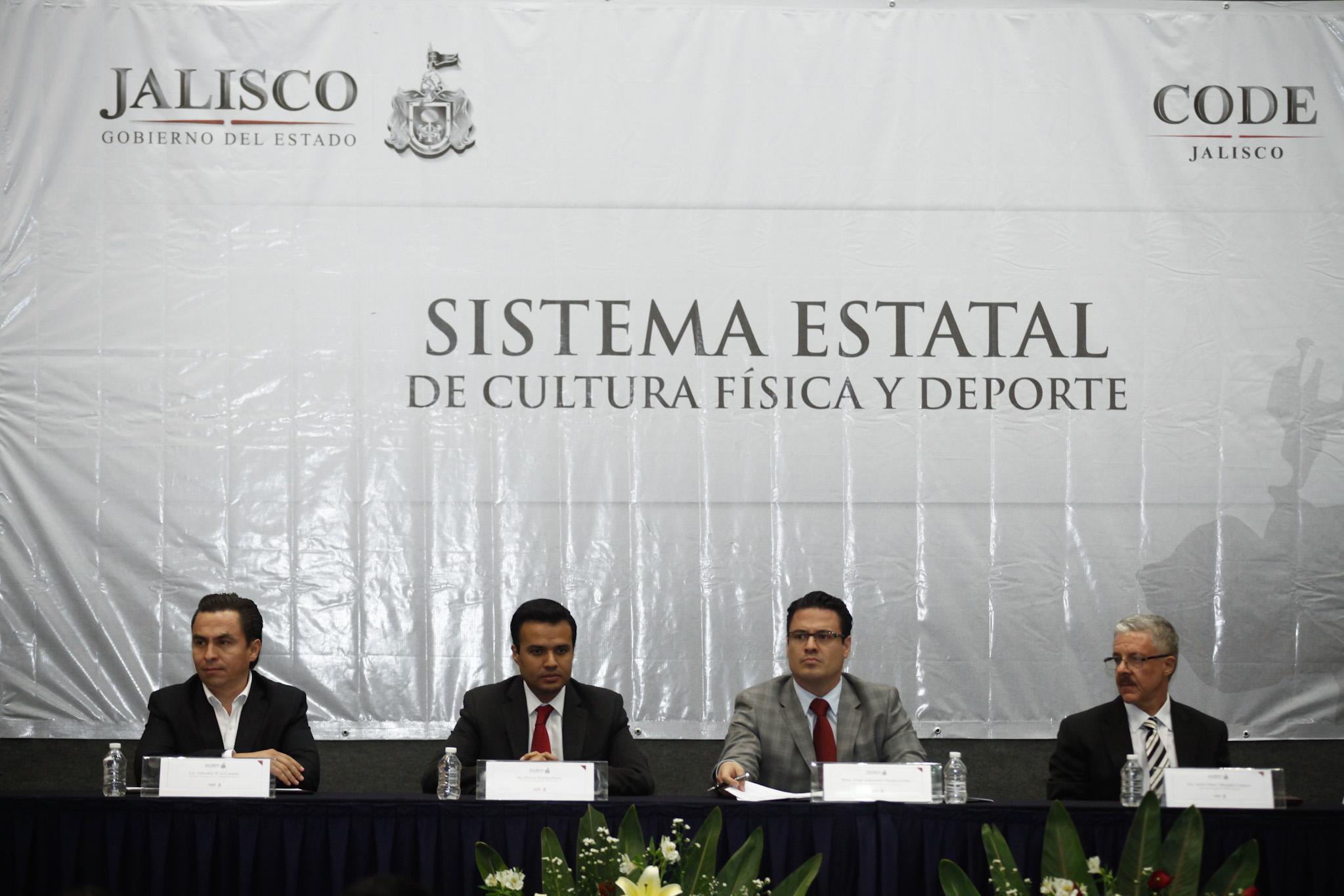El deporte tendrá una política integral, afirma el Gobernador