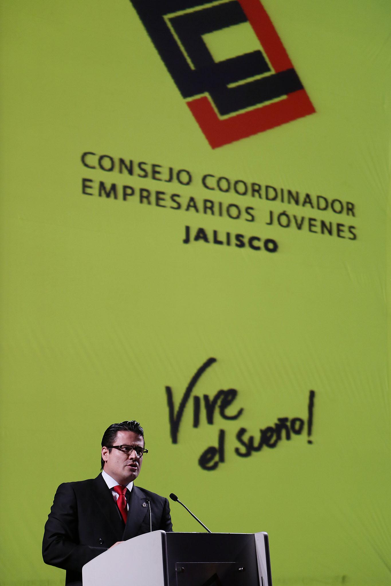 Sumará Aristóteles Sandoval esfuerzos con emprendedores para crear nuevas empresas