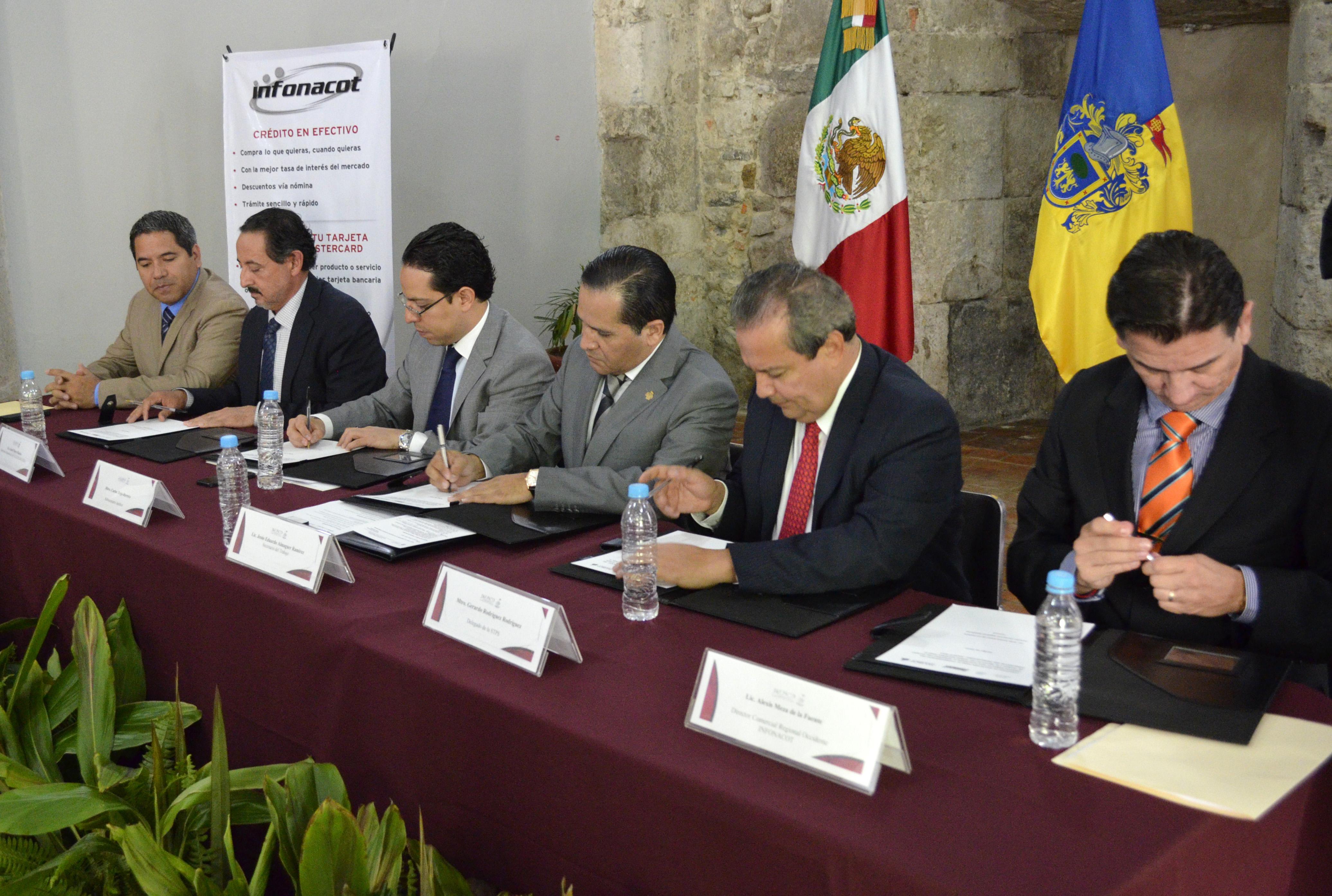 Firman Gobierno del Estado y FONACOT convenio de afiliación como centro de trabajo