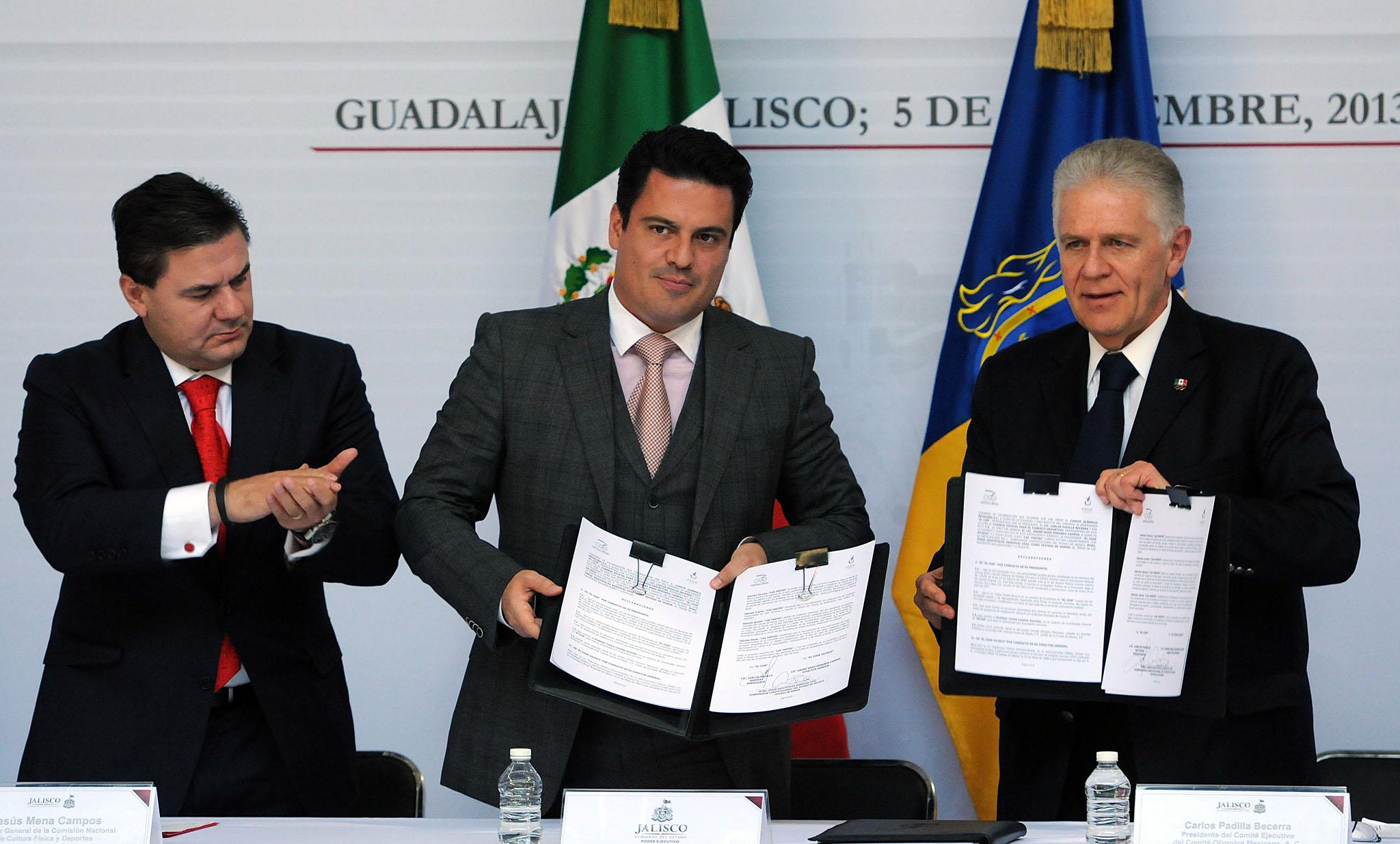 Firman acuerdos para fomentar el deporte en Jalisco