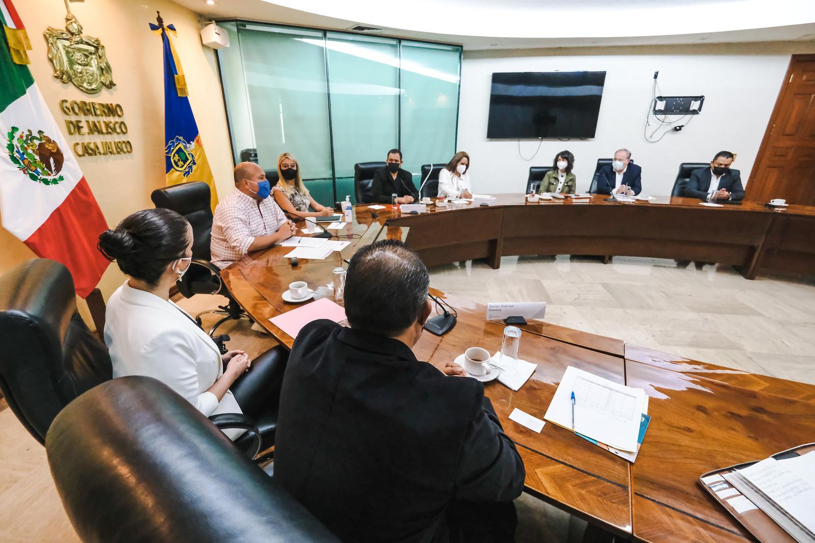 Se reúne Enrique Alfaro con asociaciones civiles; crearán registro estatal de menores afectados por cáncer, y afirma que ningún menor se quedará sin atención