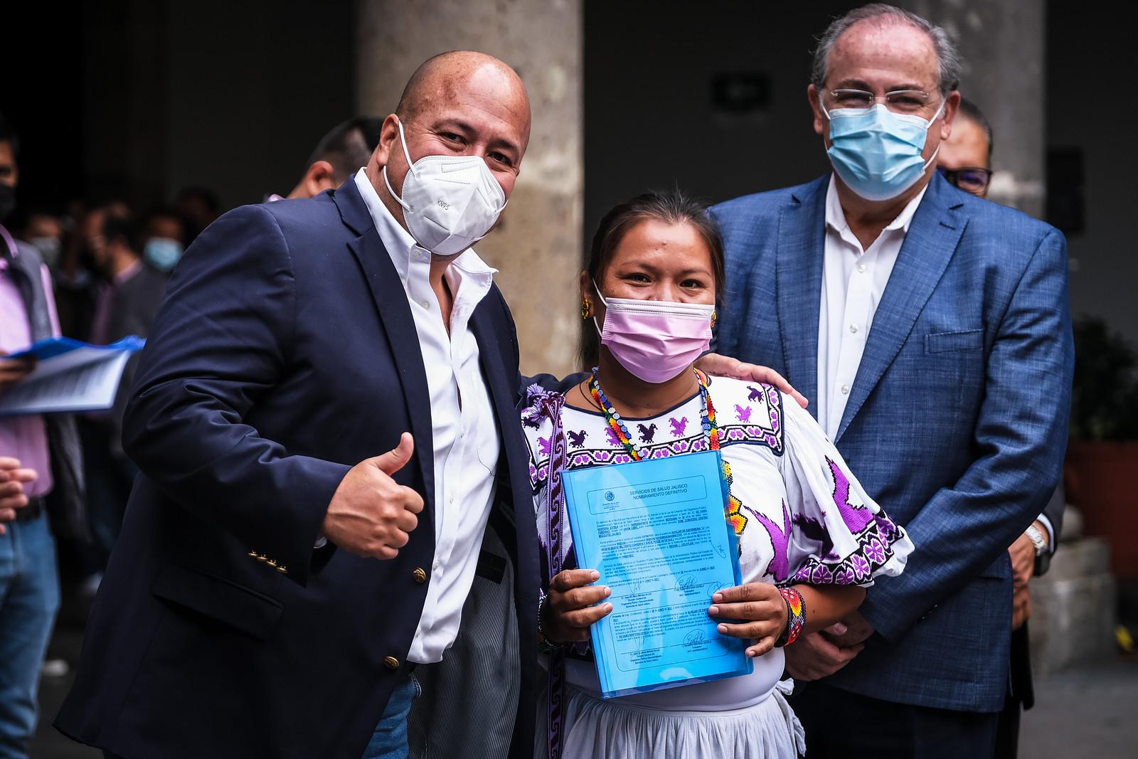 Entrega Enrique Alfaro 252 nombramientos definitivos a personal del OPD Servicios de Salud Jalisco