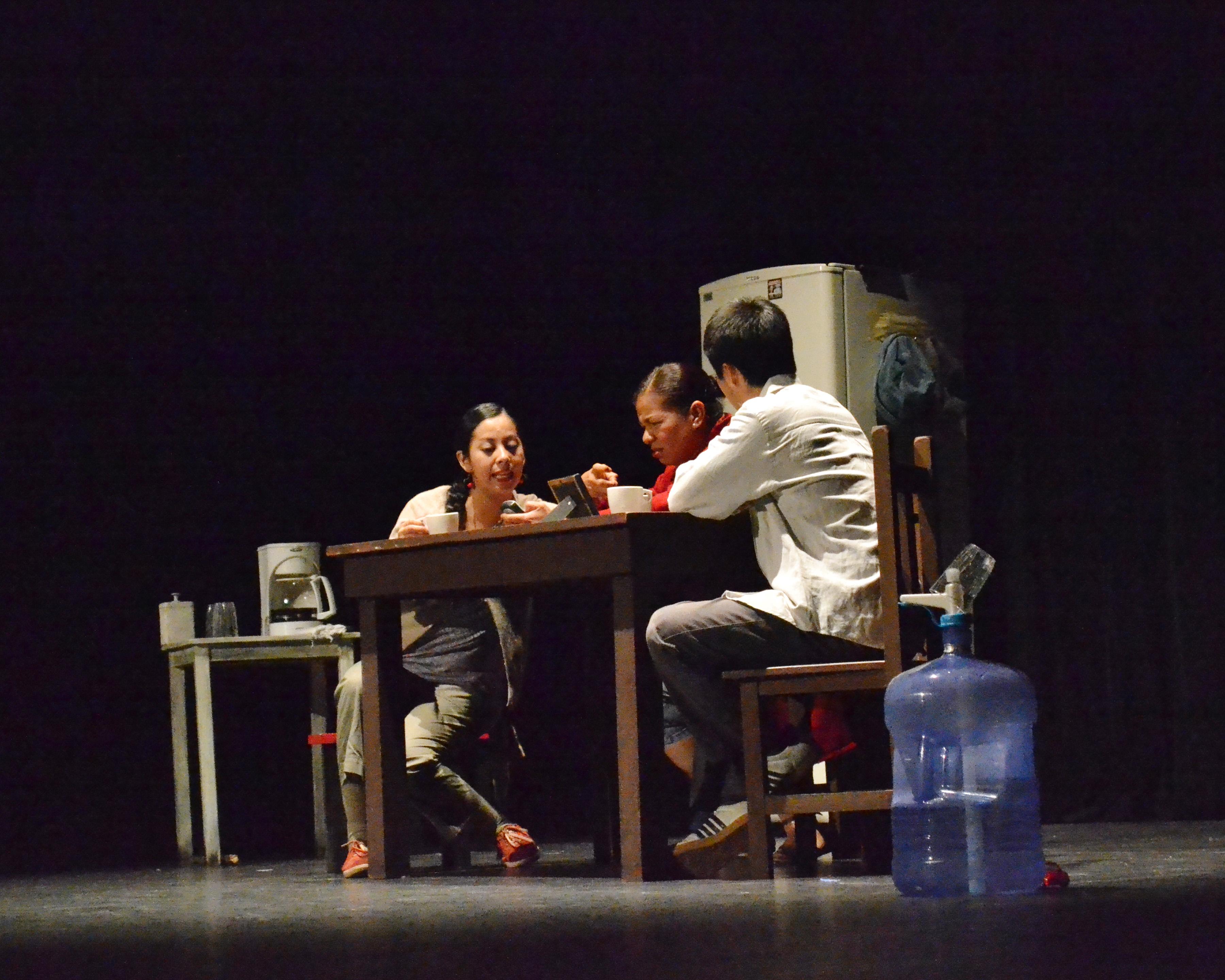 Gana Viaje de tres el premio a la mejor obra y la mejor dramaturgia en la MET 2013