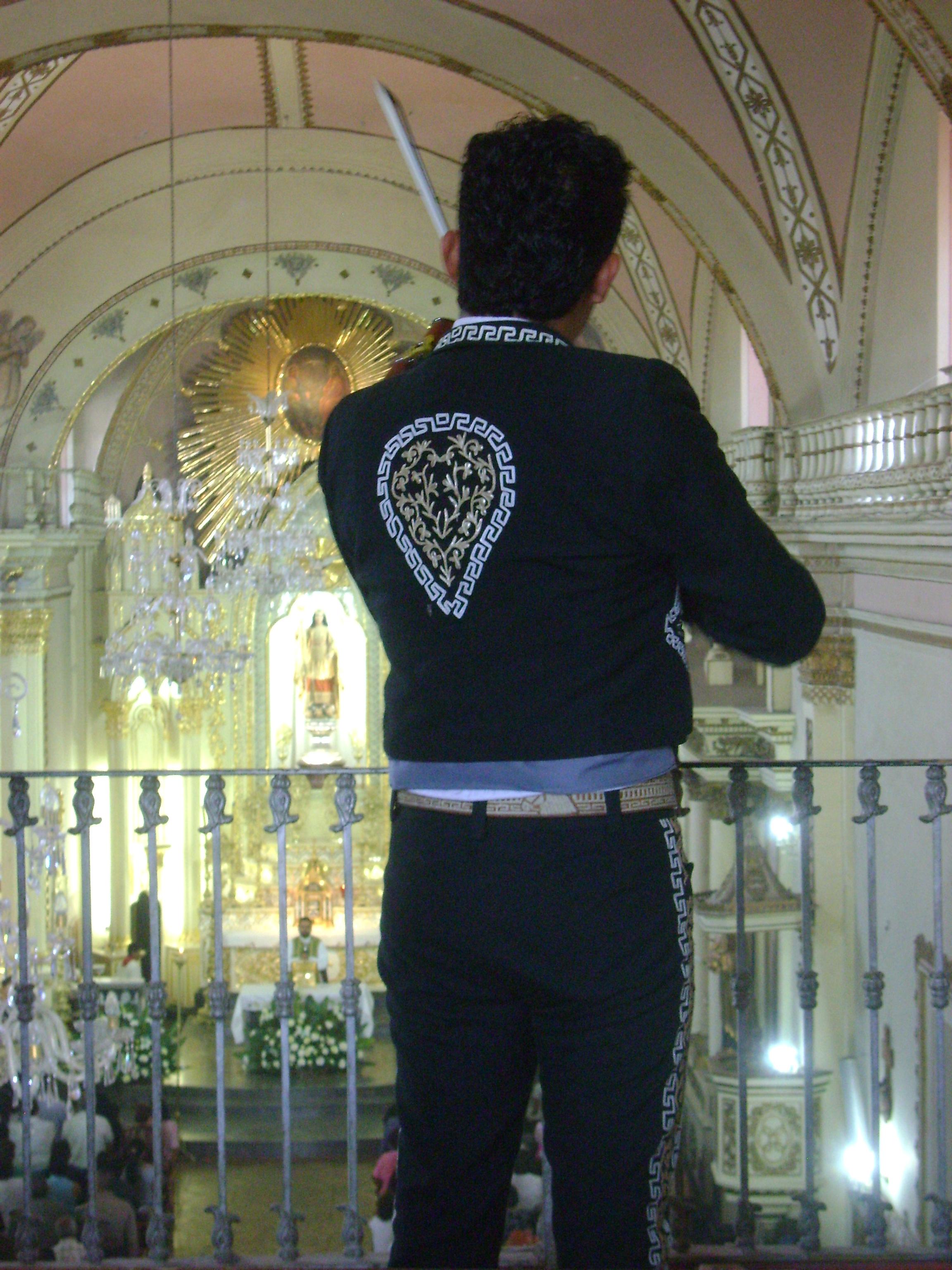 Vive Cocula todos los domingos esencia del mariachi