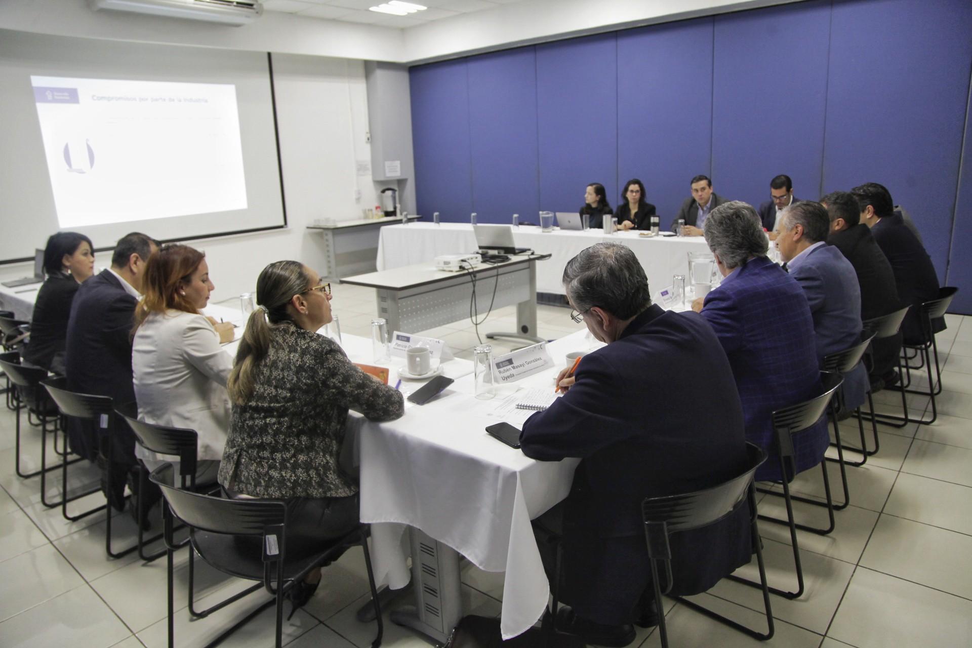 Asumen empresarios compromisos ambientales con el Río Santiago