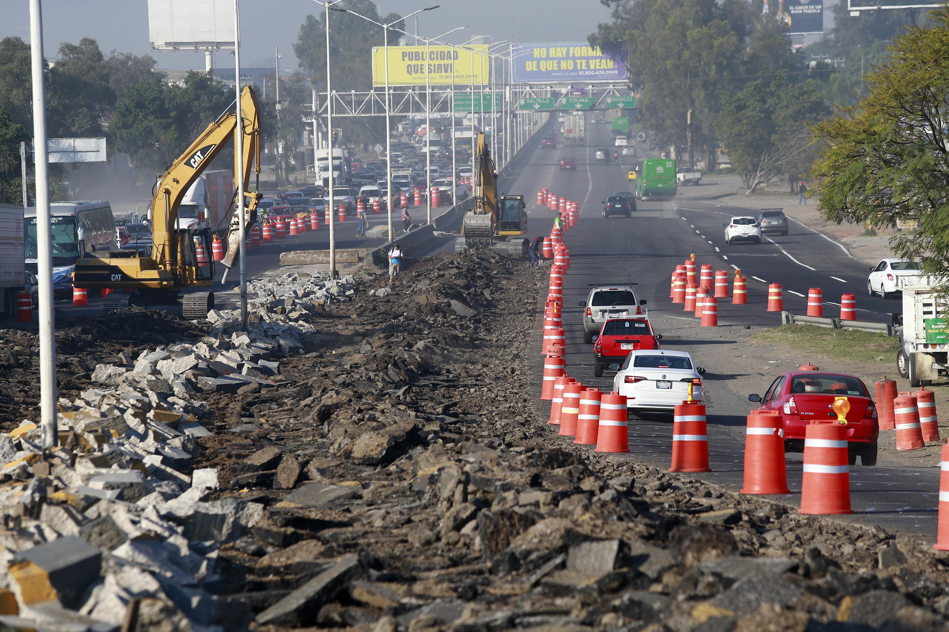 Inician obras de Mi Macro Periférico en el cruce con la carretera a Chapala
