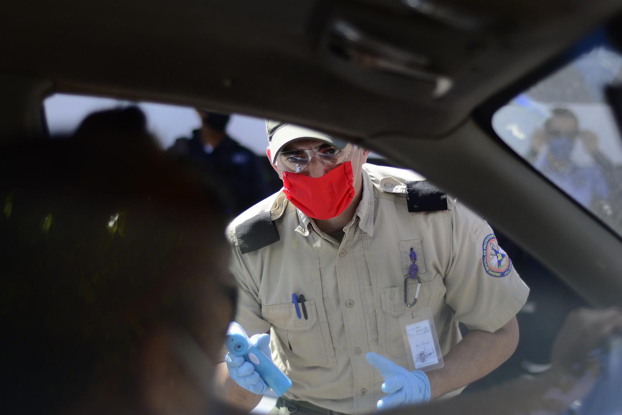 Refuerzan operaciones filtros sanitarios en carreteras de Jalisco