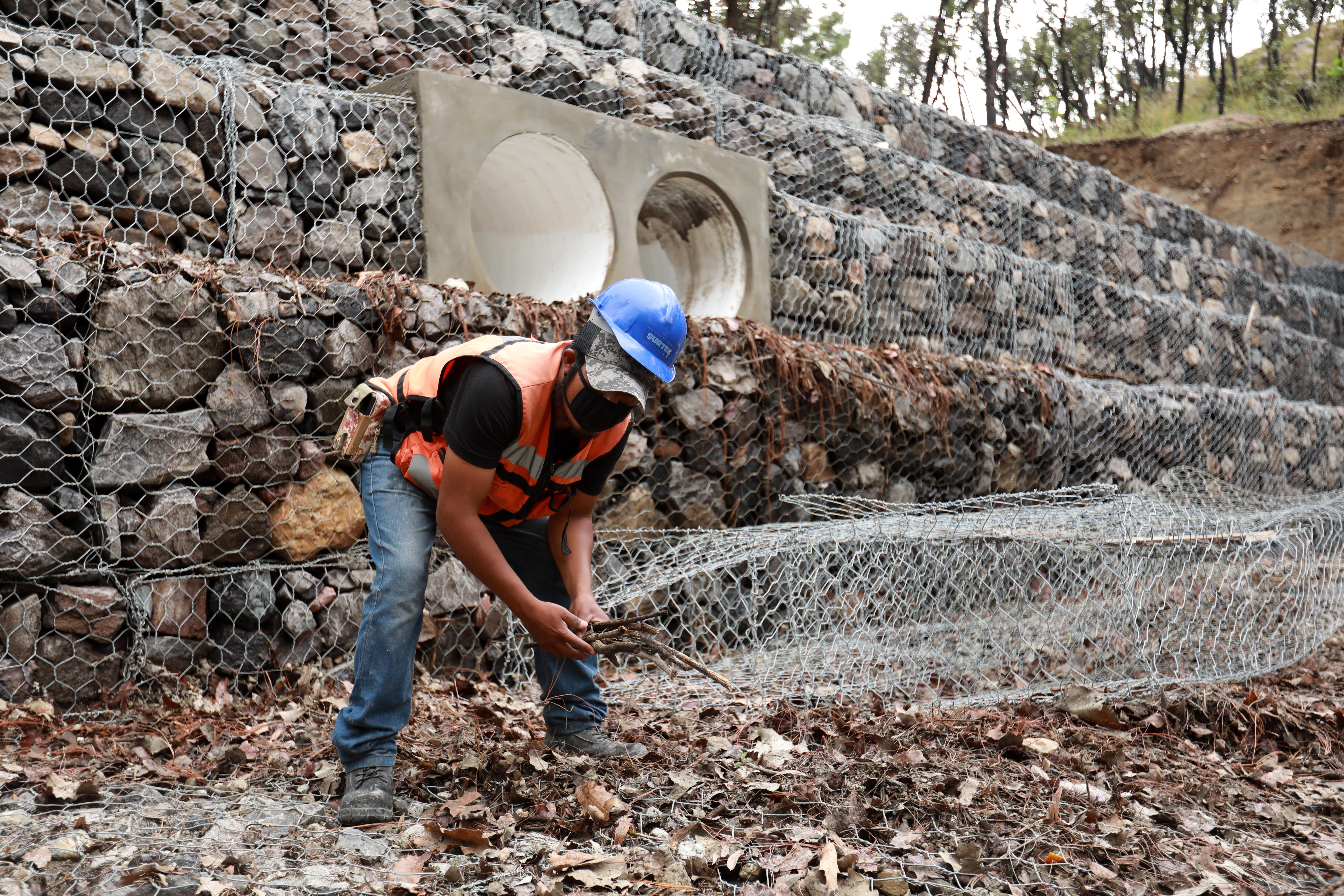 Las obras estatales de contención en Santa Anita avanzan como parte de la solución integral de manejo pluvial de la zona