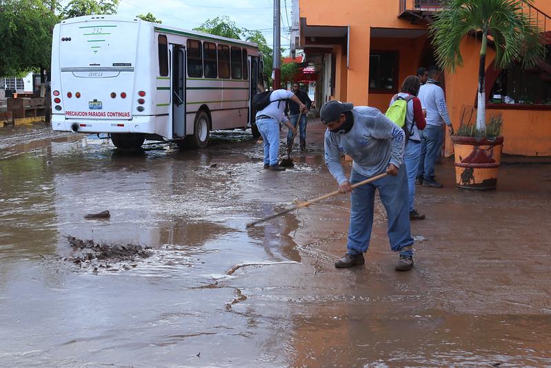 """DIF Jalisco continúa con distribución de ayuda a población afectada por """"Hernán"""""""