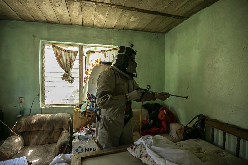 Trabajan brigadistas contra el dengue en zonas rurales de Zapopan