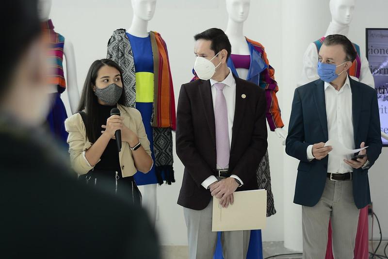 Presentan colección JaliscoCrea, Moda & Diseño Milán-Guadalajara en el aeropuerto internacional de Guadalajara