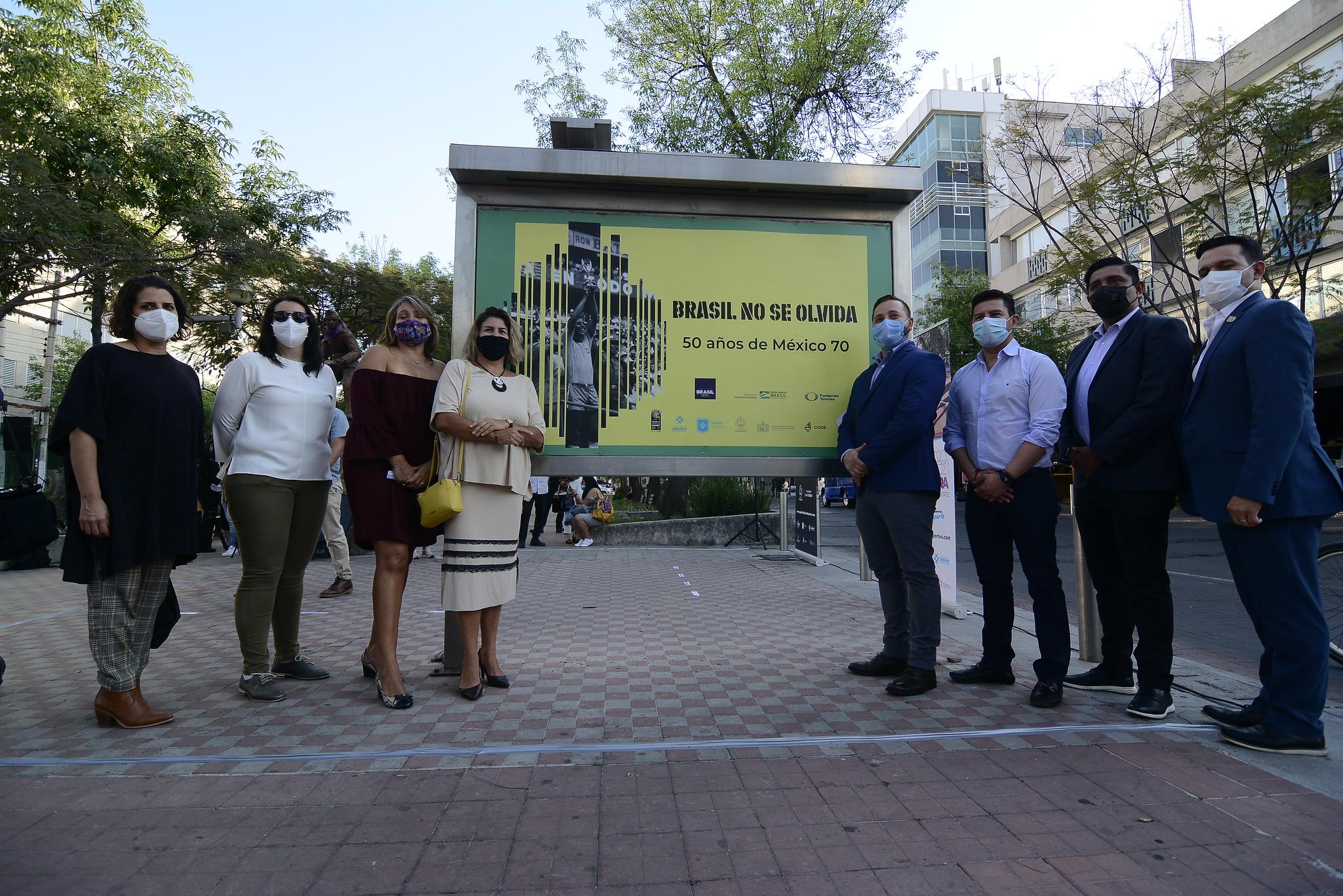 Autoridades de Jalisco y Brasil inauguran exposición fotográfica en Paseo Chapultepec