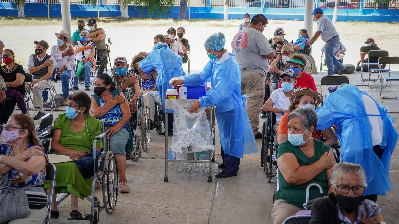Con 100% de vacunas aplicadas concluyó jornada especial de vacunación contra COVID-19 para adultos mayores en San Pedro Tlaquepaque