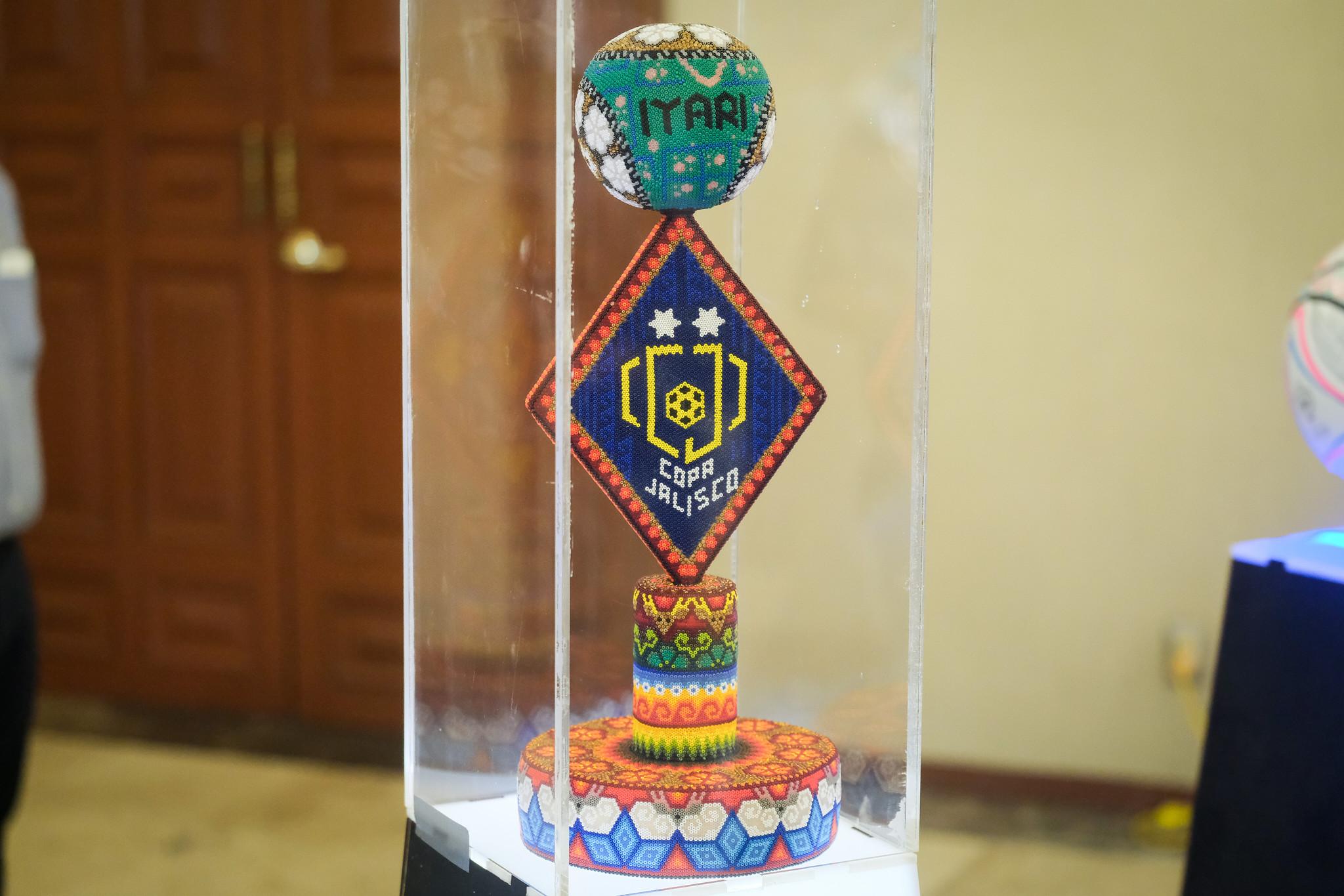 Copa Jalisco 2021 llegará a su final el  23 de mayo exponiendo la cultura y tradiciones del Estado, con un diseño de la Copa y el balón inspirados en el universo Wikárika