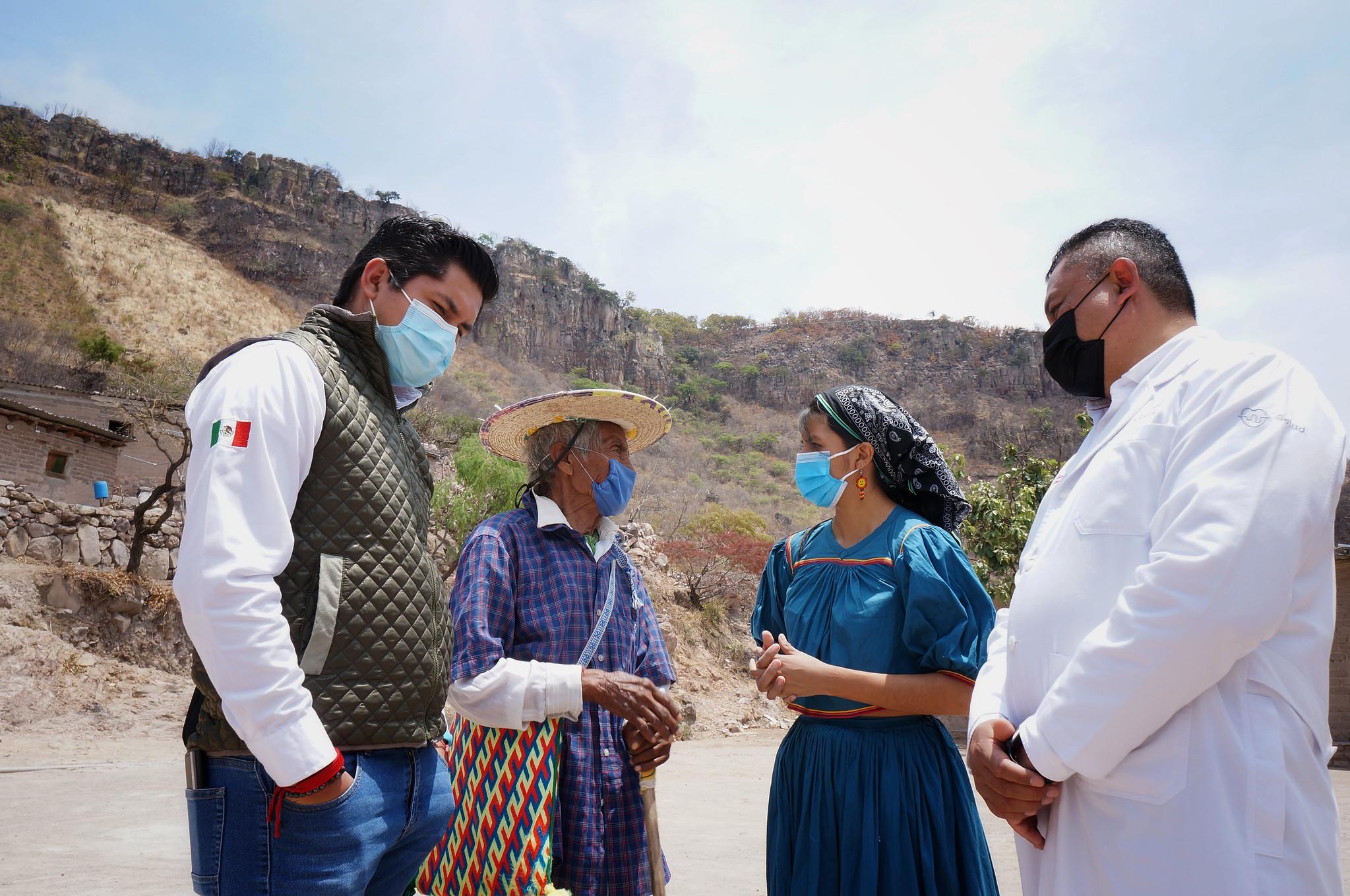 Jalisco realiza jornada especial de vacunación contra COVID-19 en comunidad wixárika