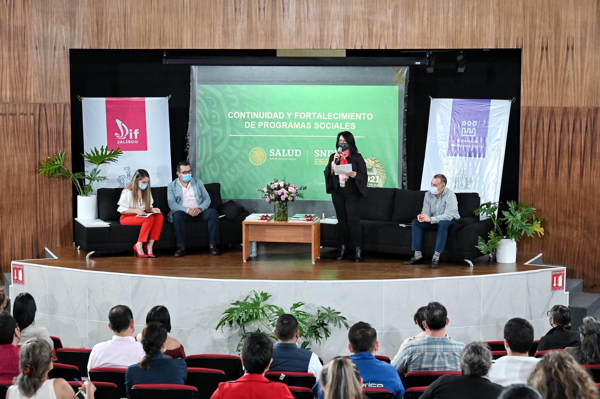 SSAS y DIF Jalisco presentan a titular de DIF Nacional acciones por los Derechos de la Niñez