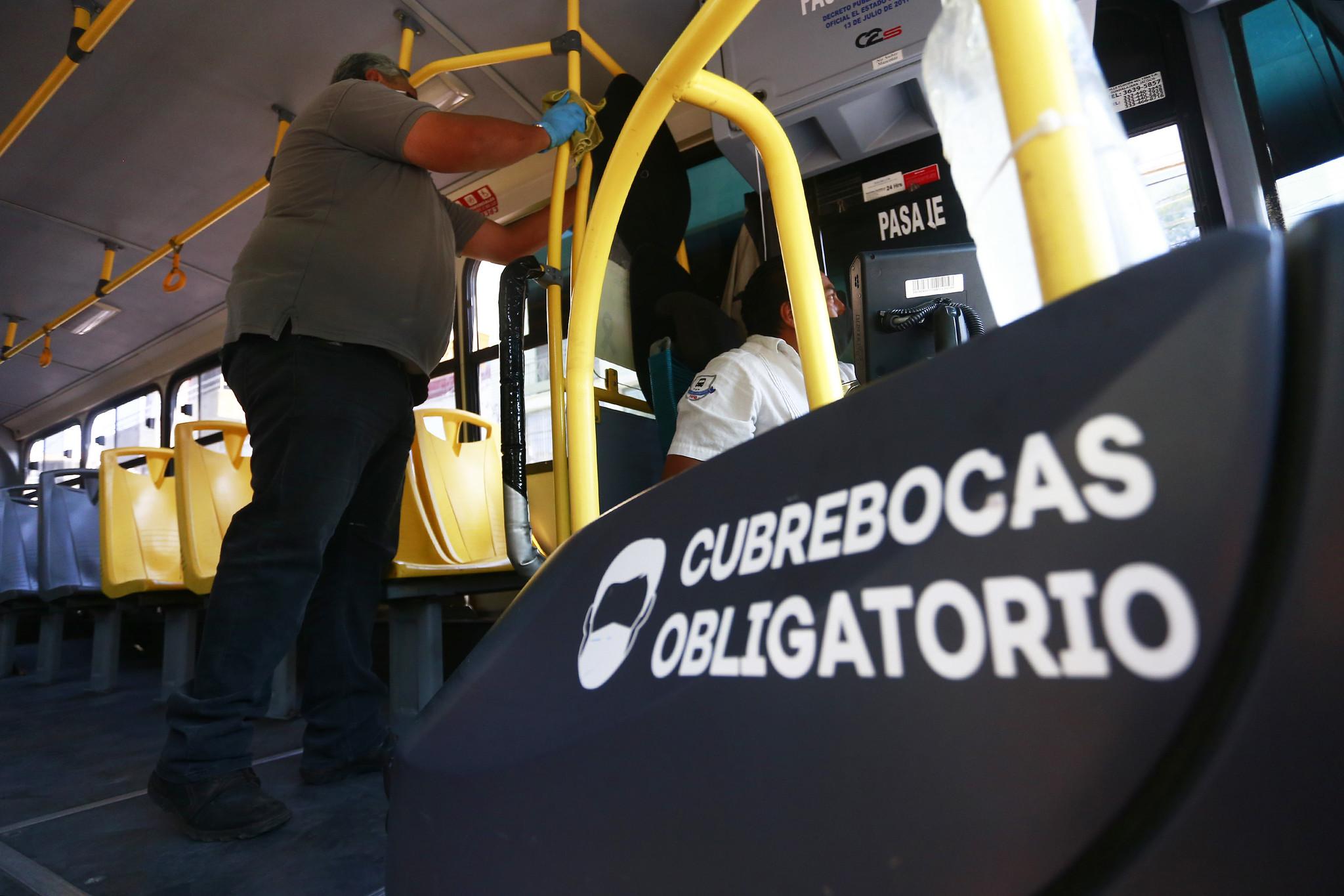 Instruyen a empresas de transporte reforzar medidas para evitar contagios ante llegada a Jalisco de la variante Delta del COVID-19
