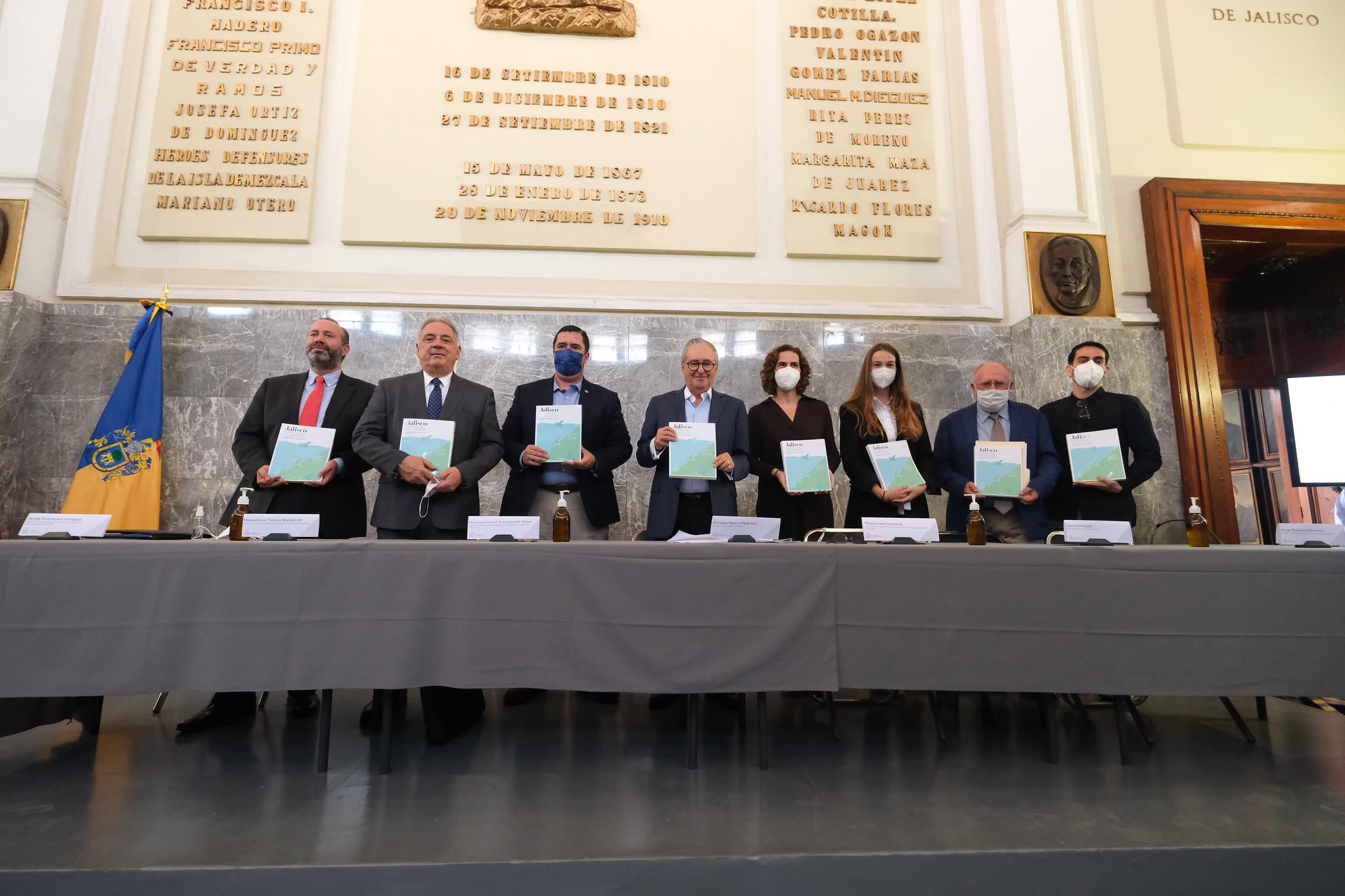 """Gobierno de Jalisco presenta el libro """"Jalisco Tierra de Migrantes"""""""