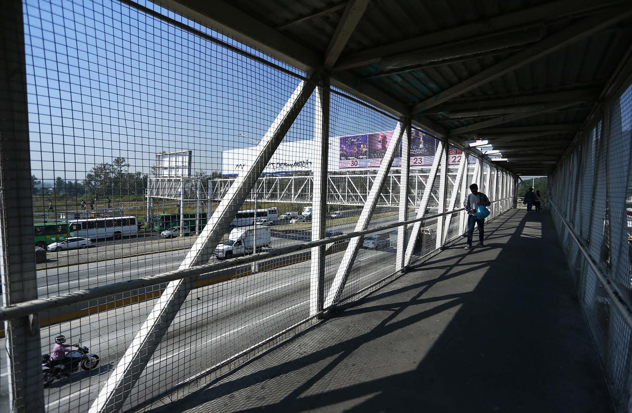 Continúa la sustitución de puentes obsoletos por los nuevos y completamente accesibles que tendrá Mi Macro Periférico