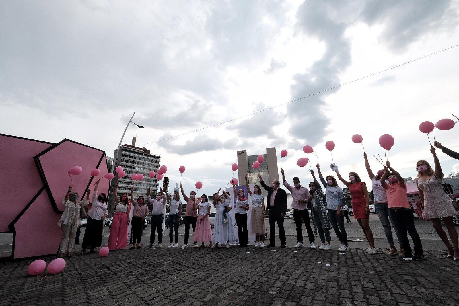 Concluye La Ciudad pintada de Rosa por la lucha contra el cáncer de mama
