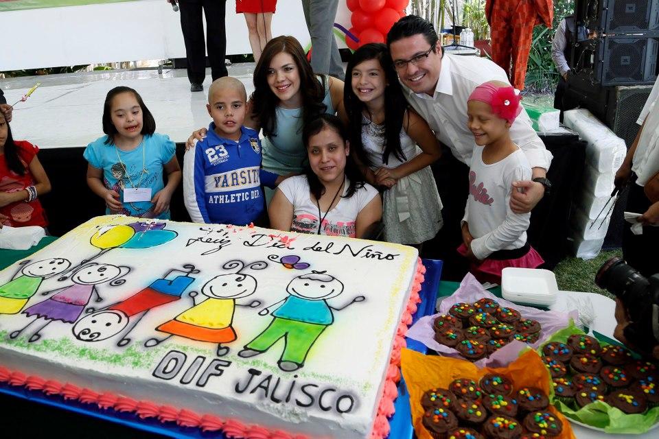 Confirma Aristóteles Sandoval su compromiso con los niños de Jalisco