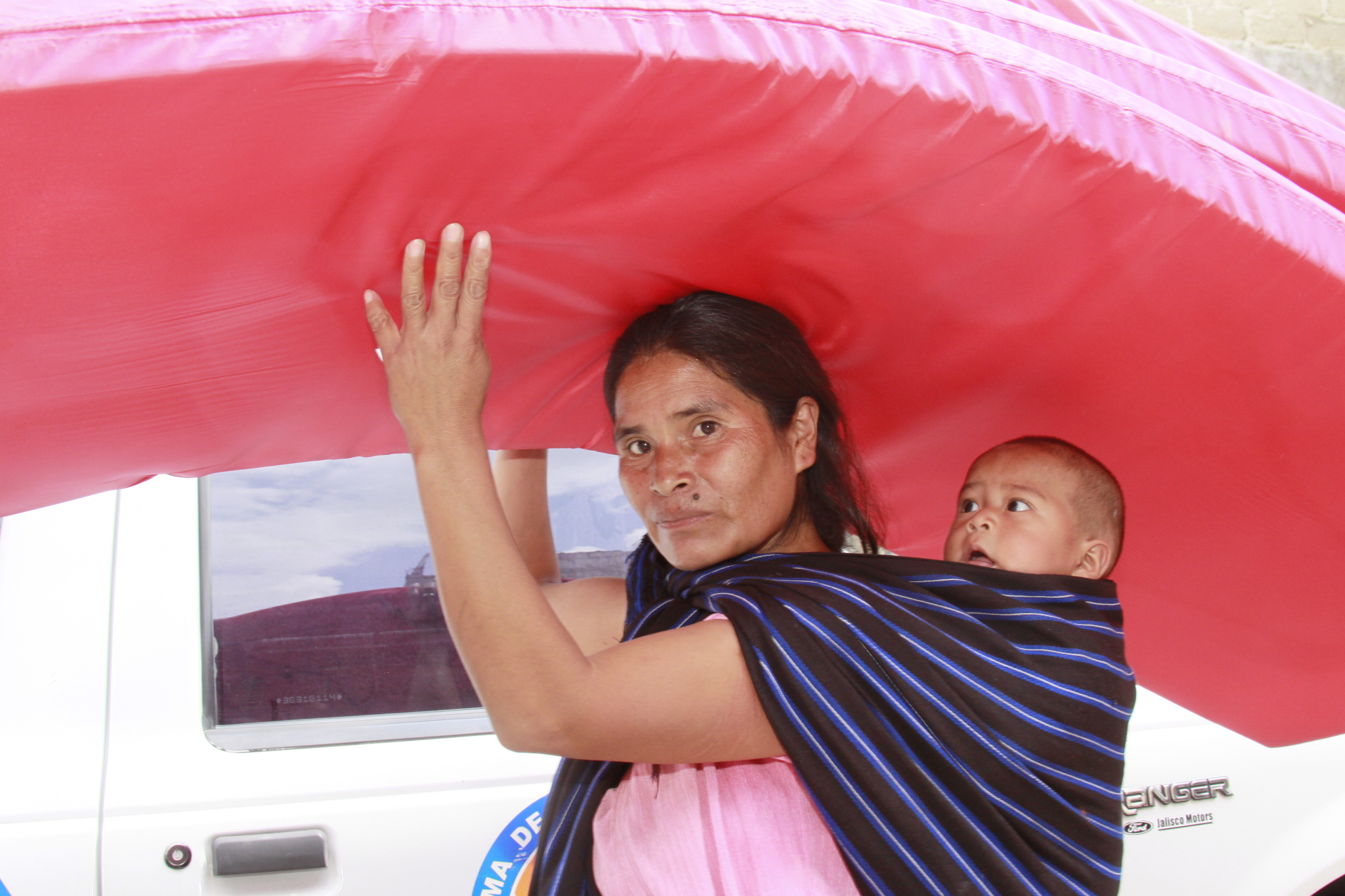 Asiste DIF Jalisco a los afectados por tromba en Teuchitlán