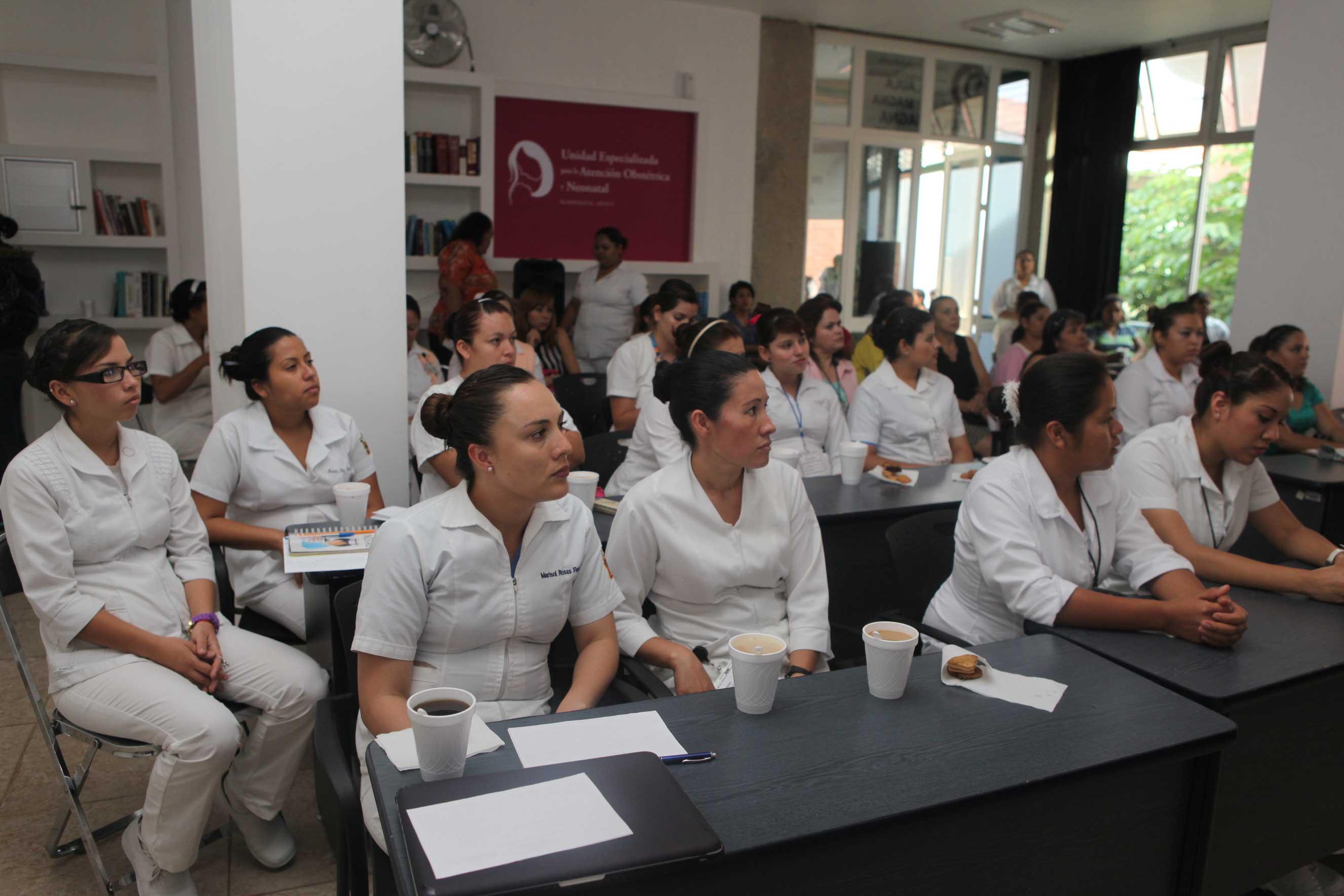 Hospital de la Mujer realiza  detecciones y ciclo de conferencias en prevención del cáncer de mama