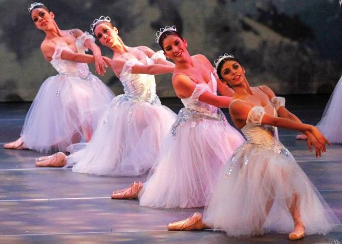 """El Ballet de Jalisco presenta """"El Cascanueces"""""""