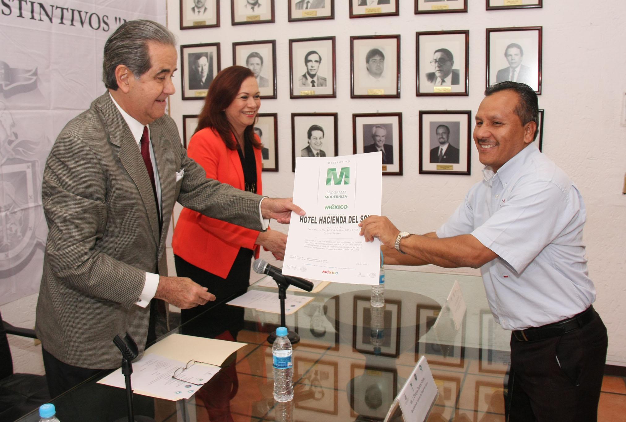 Reconoce SECTURJAL labor de prestadores de servicios turísticos en Jalisco