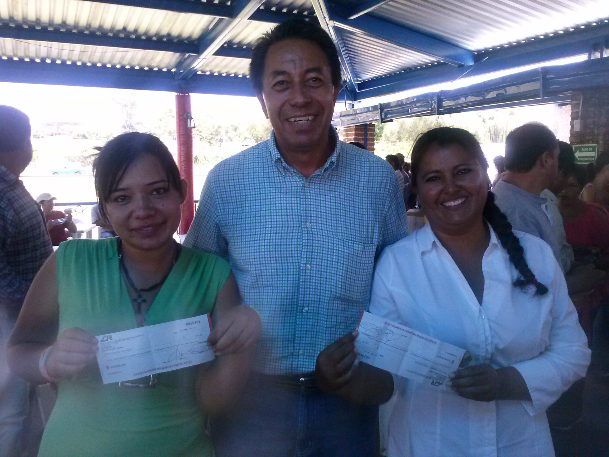 Continúa apoyo a afectados de la presa Hurtado