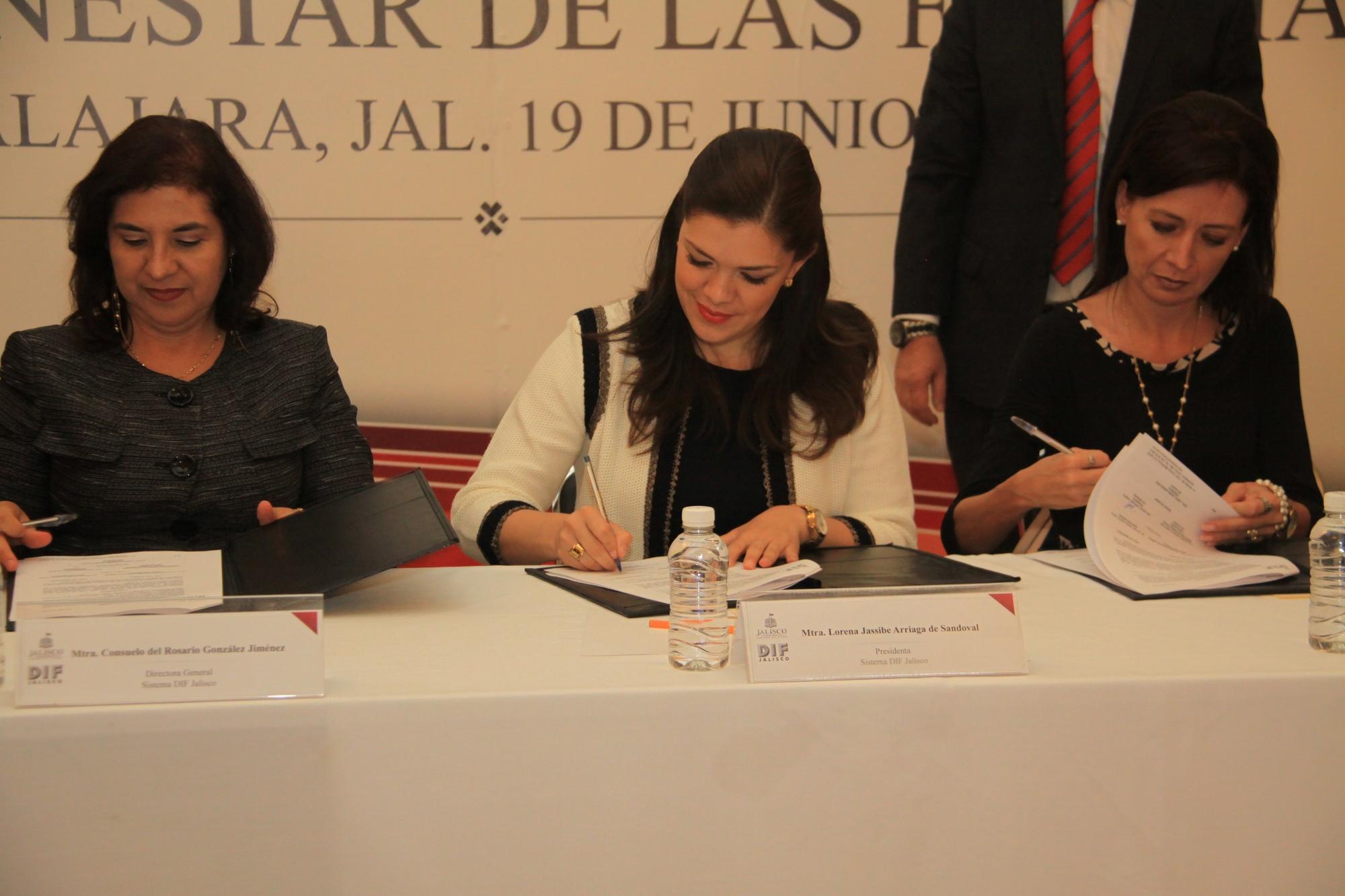 Ofrece DIF Jalisco apoyo para ampliar esperanza de vida de 300 jaliscienses