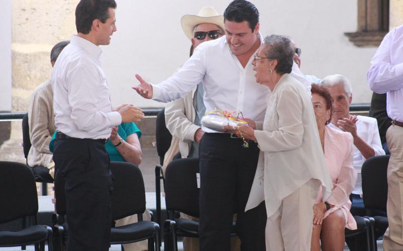 Anuncia Peña Nieto en Jalisco Programa de Pensión para Adultos Mayores