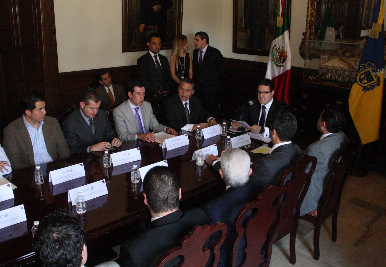 Presenta el Gobernador del Estado el grupo de trabajo para formular el nuevo sistema acusatorio penal para Jalisco