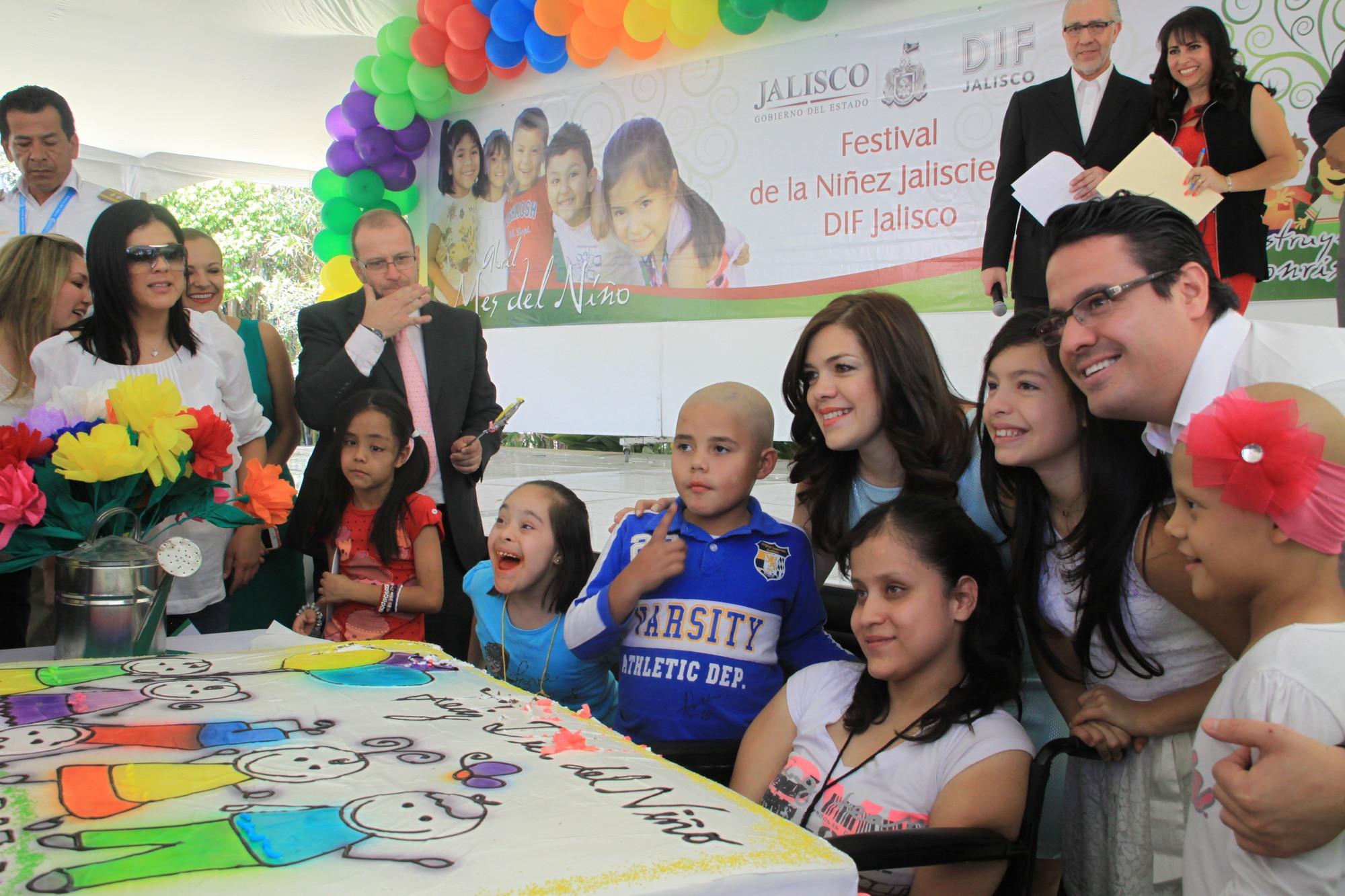 Niños especiales celebran su día en Casa Jalisco