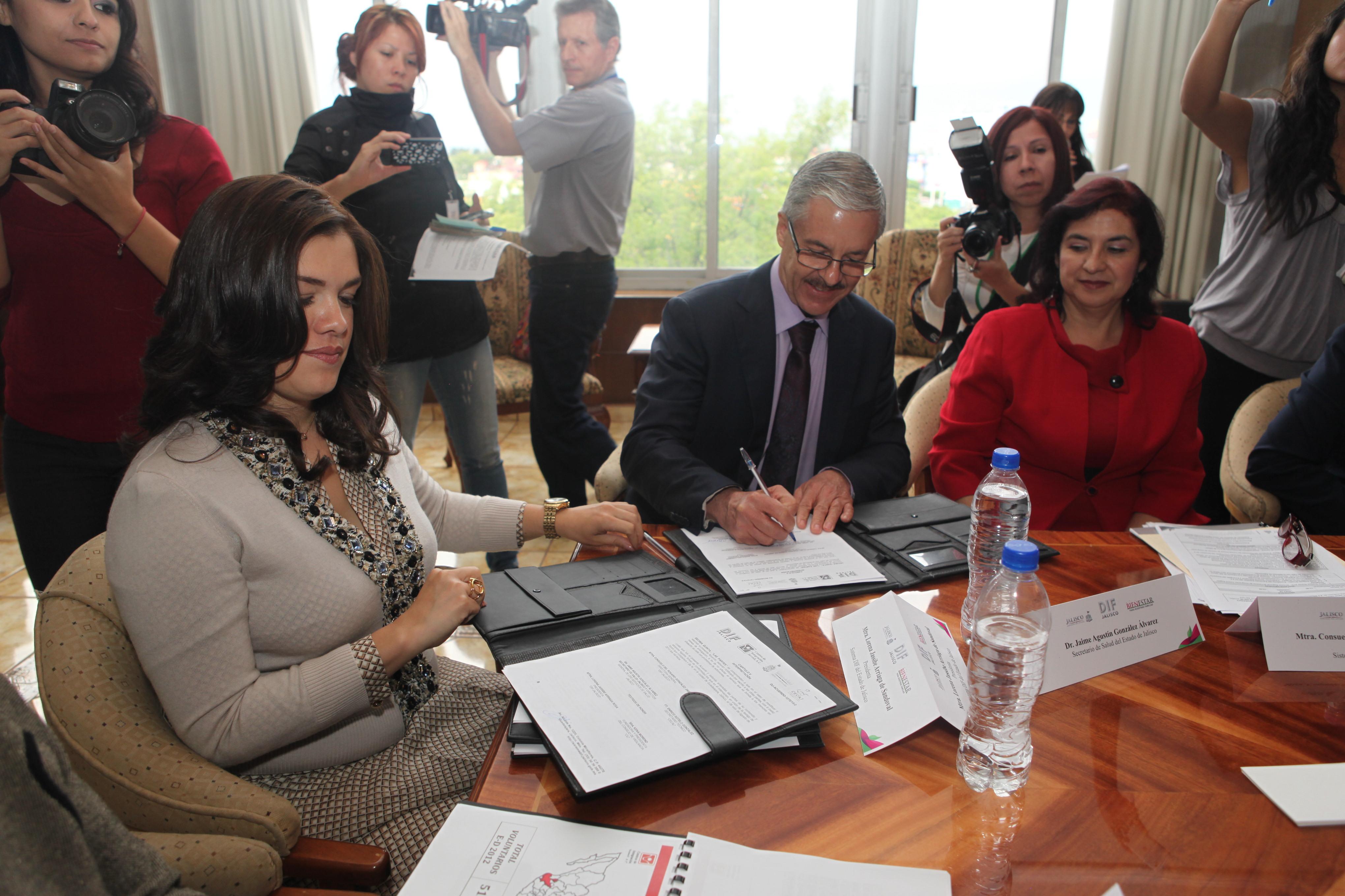 Firman DIF Jalisco y SSJ acuerdo de colaboración para prevenir y atender las adicciones