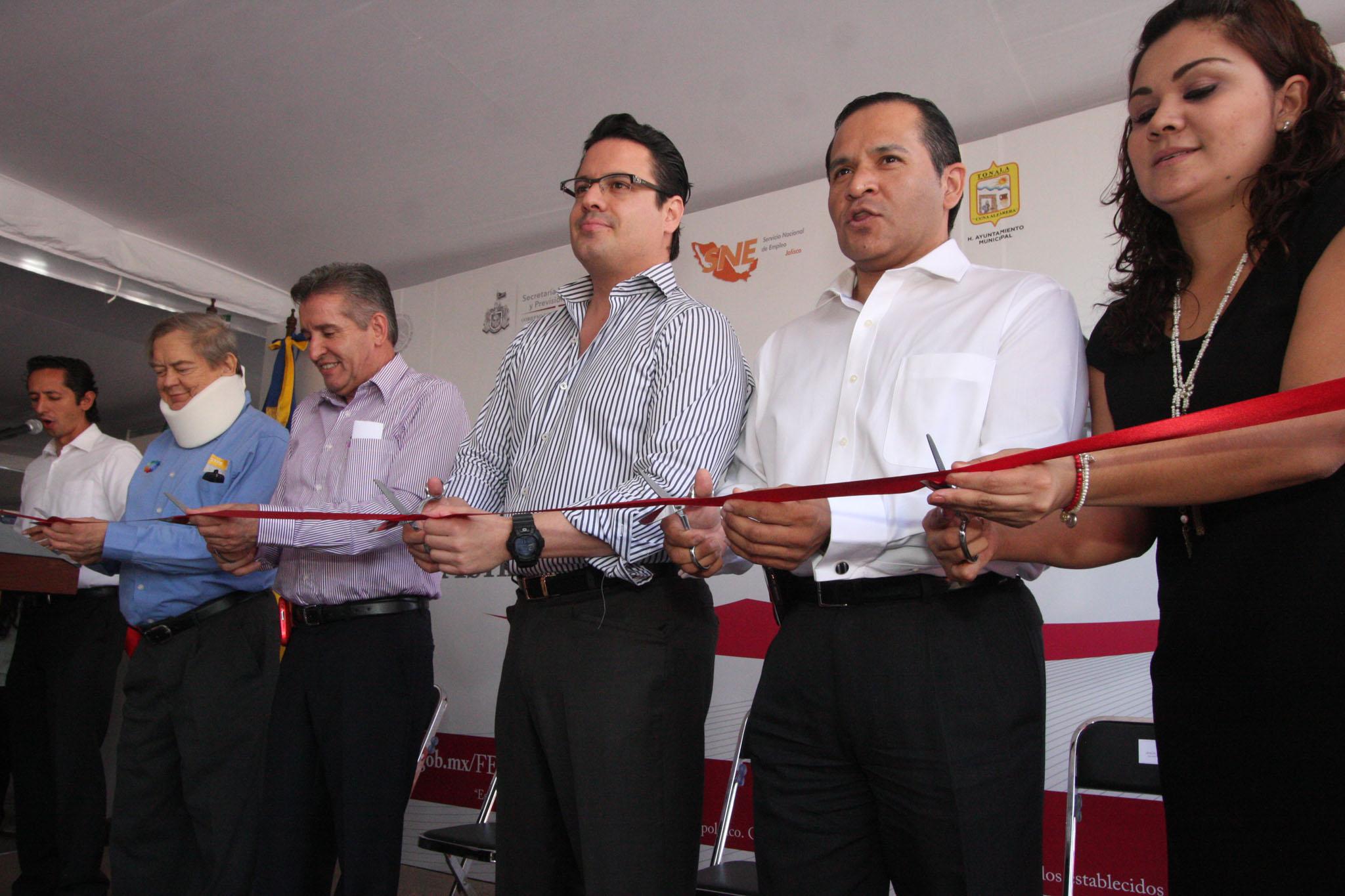 Inaugura el Gobernador del Estado Feria del Empleo en Tonalá