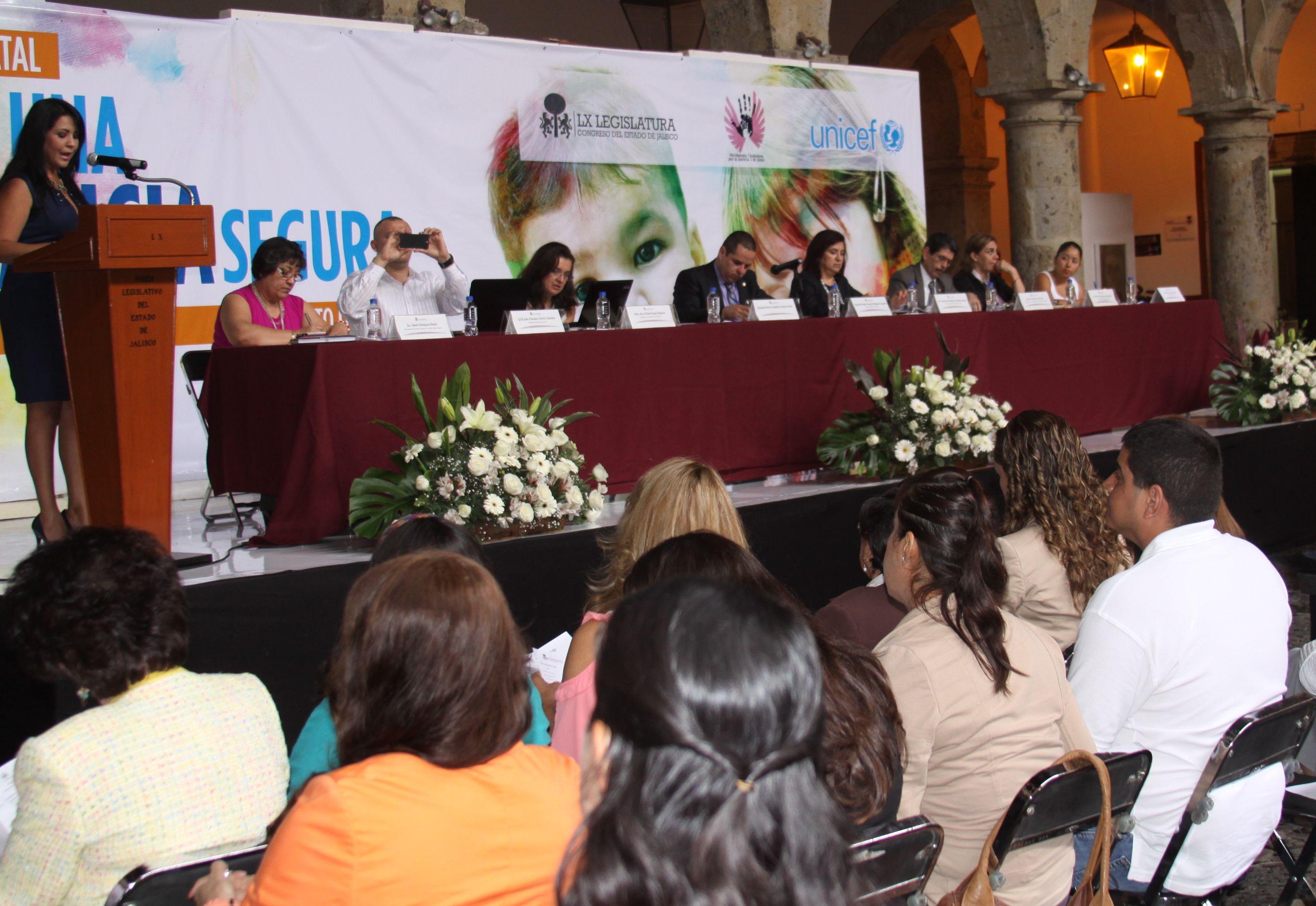 DIF Jalisco vigilante del foro estatal por una infancia segura