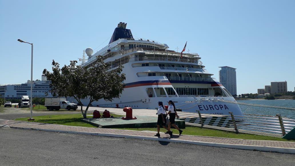 Jalisco coordina puente humanitario en apoyo a viajeros en crucero
