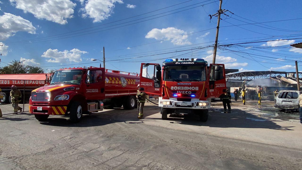Elementos de Protección Civil Jalisco atienden reporte de explosión en gasera de Tonalá Jalisco