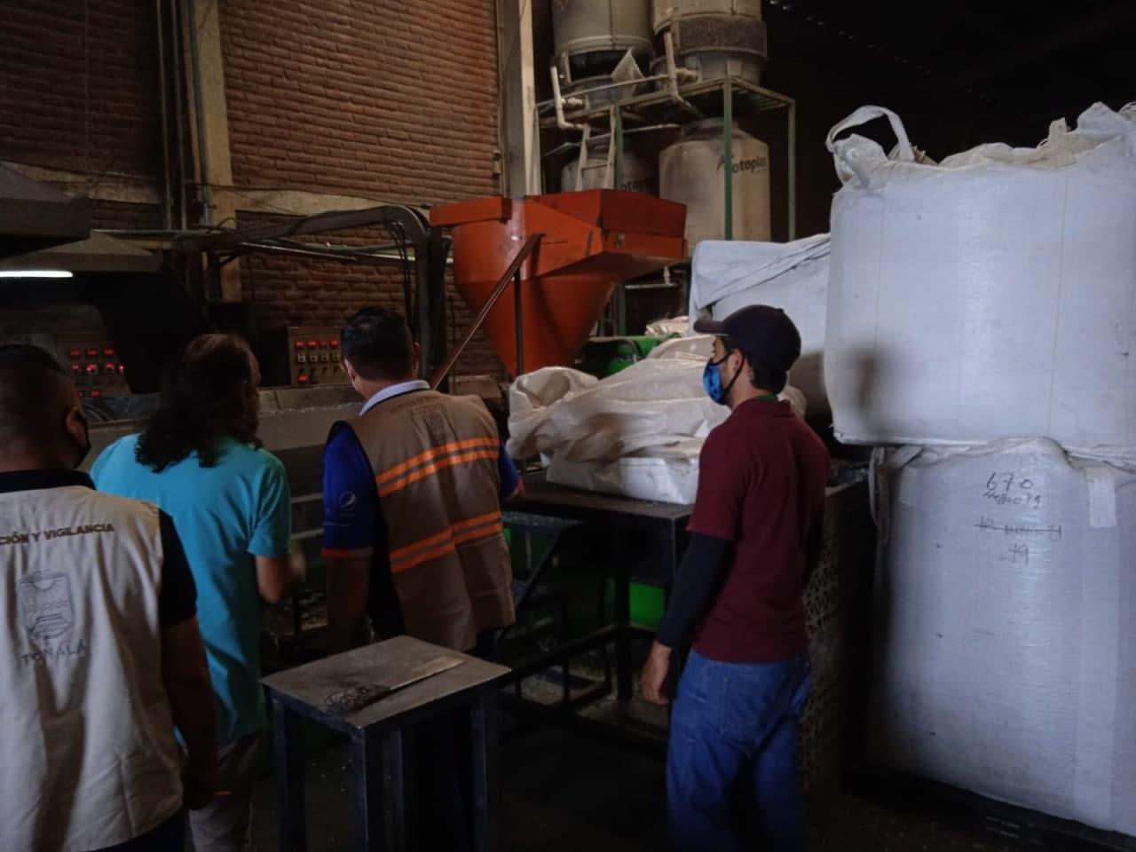 Inspeccionan a empresa de plásticos, Proepa y autoridades municipales de Tonalá