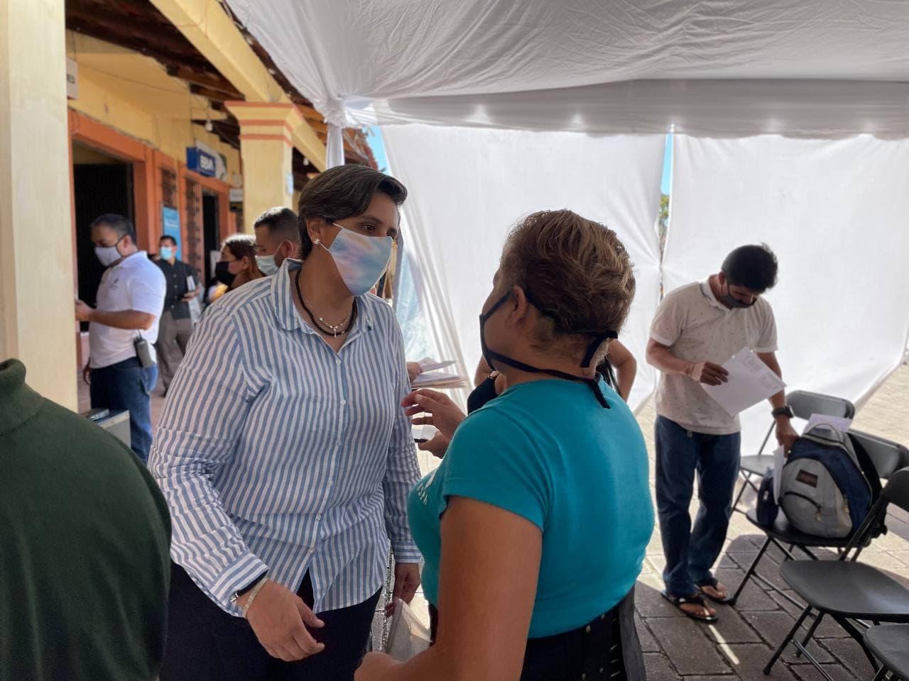 Continúa entrega de apoyos a negocios a afectados por el huracán Nora