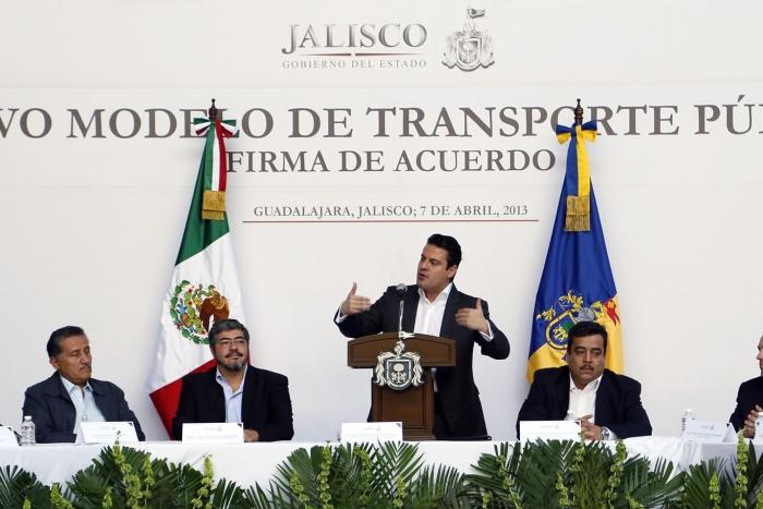 Acuerdo para la creación del Nuevo Modelo de Transporte Público Palacio de Gobierno