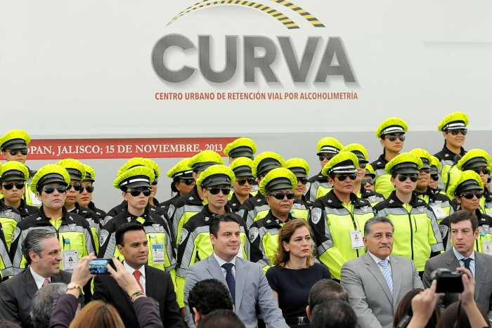 Imagen alusiva a la nota Inaugura Gobernador CURVA