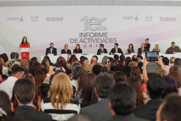 Imagen alusiva a la nota Asiste Gobernador al Primer Informe de Actividades de la Presidenta del DIF Jalisco