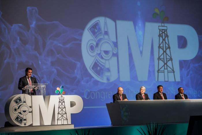 Imagen alusiva a la nota Jalisco puede aportar tecnologías en el proceso  de transformación de la industria petrolera: Aristóteles Sandoval