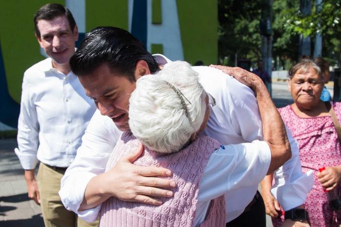 Imagen alusiva a la nota Supervisa Gobernador de Jalisco entrega de Bienevales a adultos mayores y personas con discapacidad