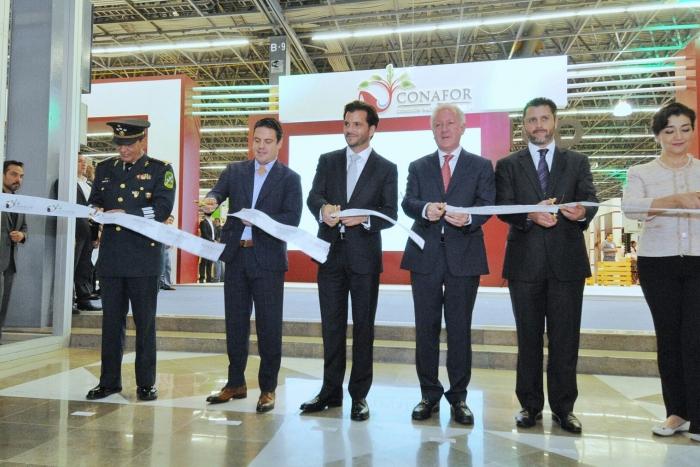 Imagen alusiva a la nota Agenda verde, prioridad en Jalisco: Aristóteles Sandoval