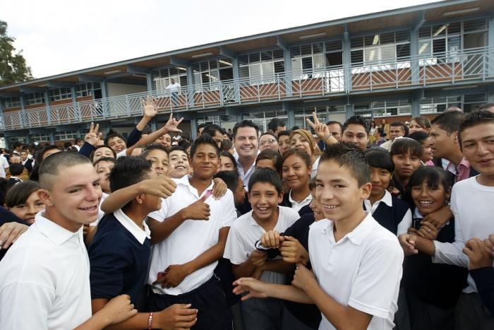 Imagen alusiva a la nota Inaugura Gobernador cuatro escuelas en Ixtlahuacán de los Membrillos