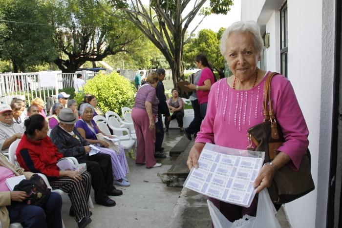 Imagen alusiva a la nota Apoya el DIF Jalisco con módulo para renovación de Bienevales